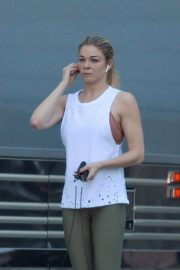 LeAnn Rimes Working Out Before Her Christmas Show in Palm Desert 2018/12/15 10