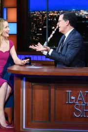 Leslie Mann at The Late Show with Stephen Colbert 2018/12/12 2