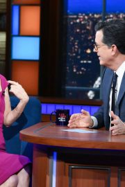 Leslie Mann at The Late Show with Stephen Colbert 2018/12/12 3