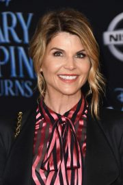 Lori Loughlin at Mary Poppins Returns Premiere in Los Angeles 2018/11/29 7