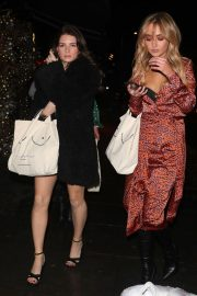 Lottie Moss and Emily Blackwell at Ours Restaurant in London 2018/11/29 5