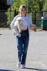 Lucy Hale at a Dog Park in Los Angeles 2018/12/08 1