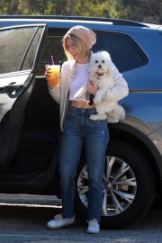 Lucy Hale at a Dog Park in Los Angeles 2018/12/08 2