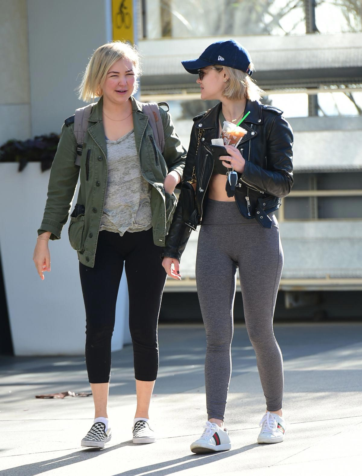 Lucy Hale Out for a Coffee with a Friend in Los Angeles 2018/12/01 1