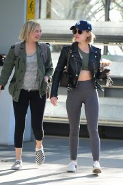 Lucy Hale Out for a Coffee with a Friend in Los Angeles 2018/12/01 3