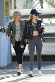 Lucy Hale Out for a Coffee with a Friend in Los Angeles 2018/12/01 4