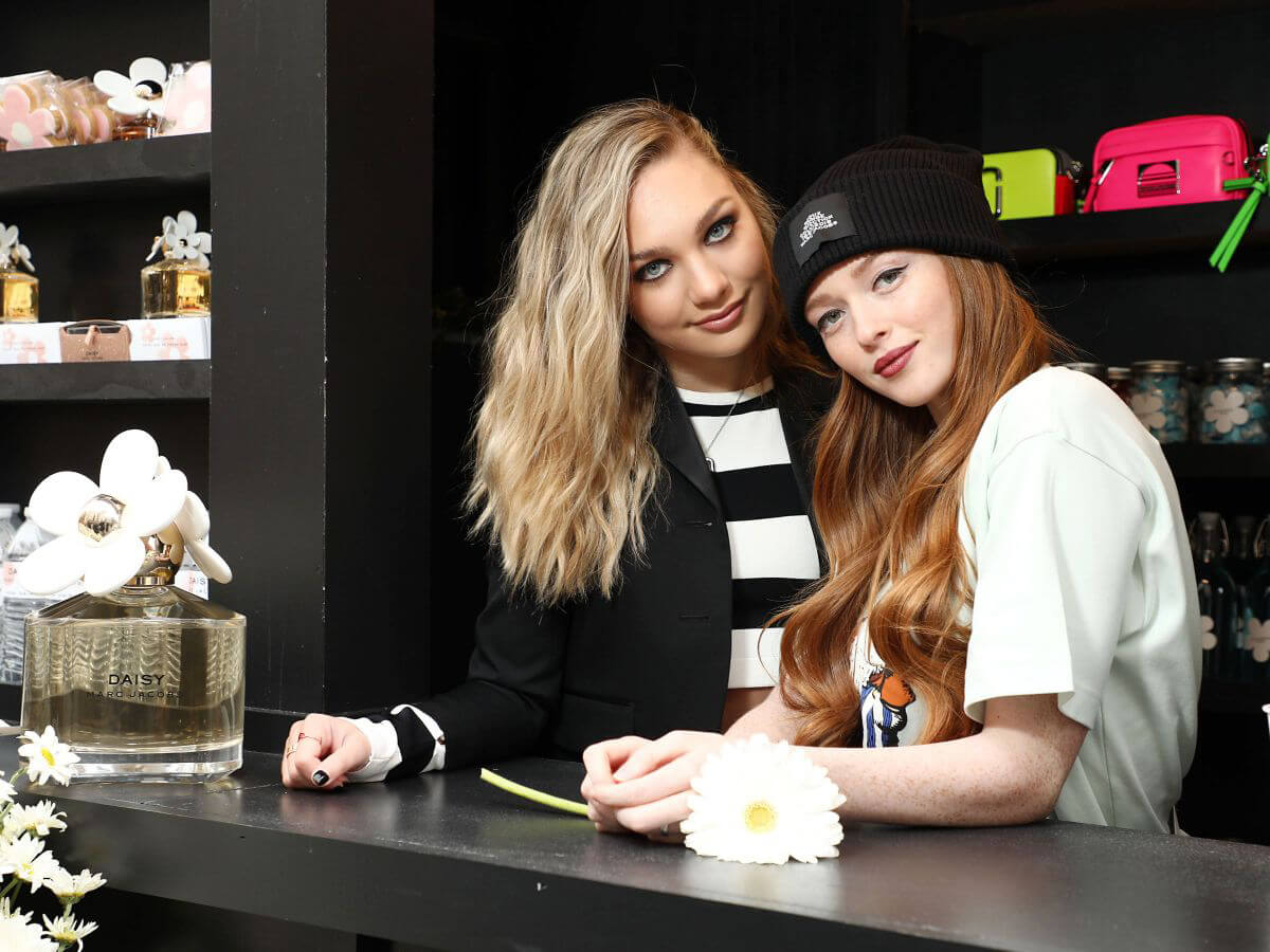Maddie Ziegler and Larsen Thompson at Daisy Marc Jacobs Pop Up Newsstand in New York 2018/12/05 1