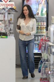Madeleine Stowe Out Shopping in Beverly Hills 2018/12/03 7