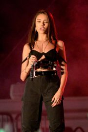 Madison Beer Performs at 102.7 Kiis FM's Jingle Ball in Inglewood 2018/11/30 7