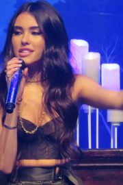 Madison Beer Performs at Z100's Jingle Ball in New York 2018/12/07 8