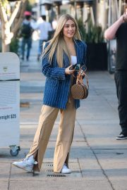 Madison Beer Shows New Hair Color Out in Los Angeles 2018/12/27 1