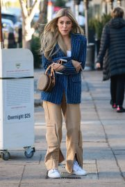 Madison Beer Shows New Hair Color Out in Los Angeles 2018/12/27 6
