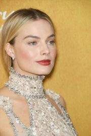 Margot Robbie at Mary Queen of Scots Premiere in New York 2018/12/04 9