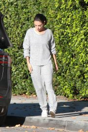 Mila Kunis Out in Los Angeles 2018/12/07 7