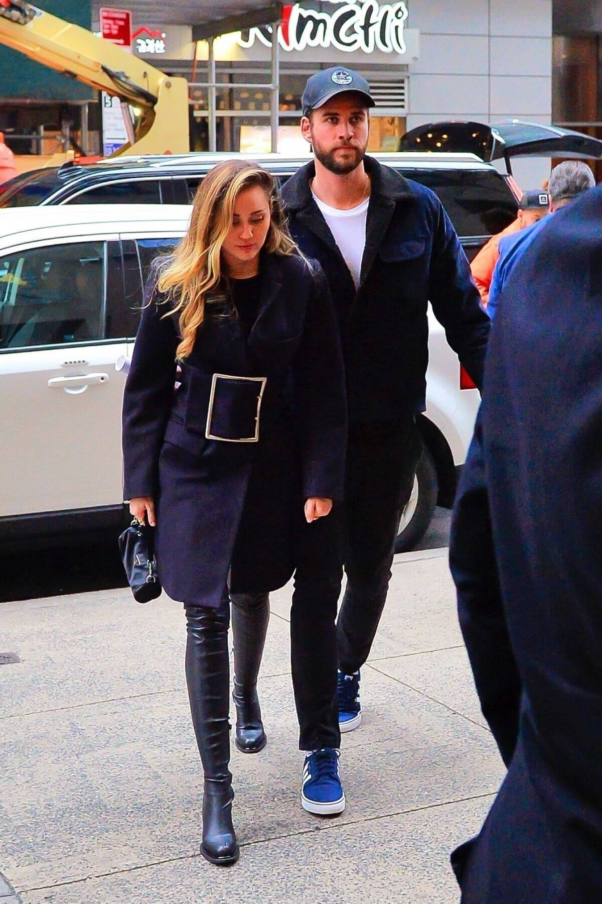 Miley Cyrus and Liam Hemsworth Arrives at NBC Studios in New York 2018/12/15 1