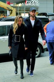 Miley Cyrus and Liam Hemsworth Arrives at NBC Studios in New York 2018/12/15 3