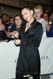 Miley Cyrus at Burberry x Vivienne Westwood Party in London 2018/12/07 6