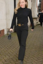 Miley Cyrus Out and About in London 2018/12/05 6