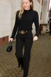 Miley Cyrus Out and About in London 2018/12/05 8