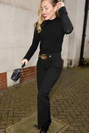Miley Cyrus Out and About in London 2018/12/05 9