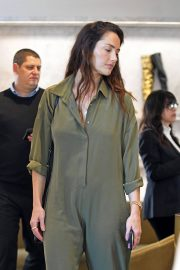 Minka Kelly Shopping at Barney's New York in Beverly Hills 2018/12/13 1