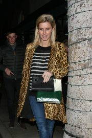 Nicky Hilton Leaves Madeo Restaurant in Beverly Hills 2018/12/26 3