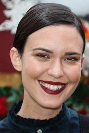 Odette Annable at Brooks Brothers Annual Holiday Celebration 2018/12/09 3