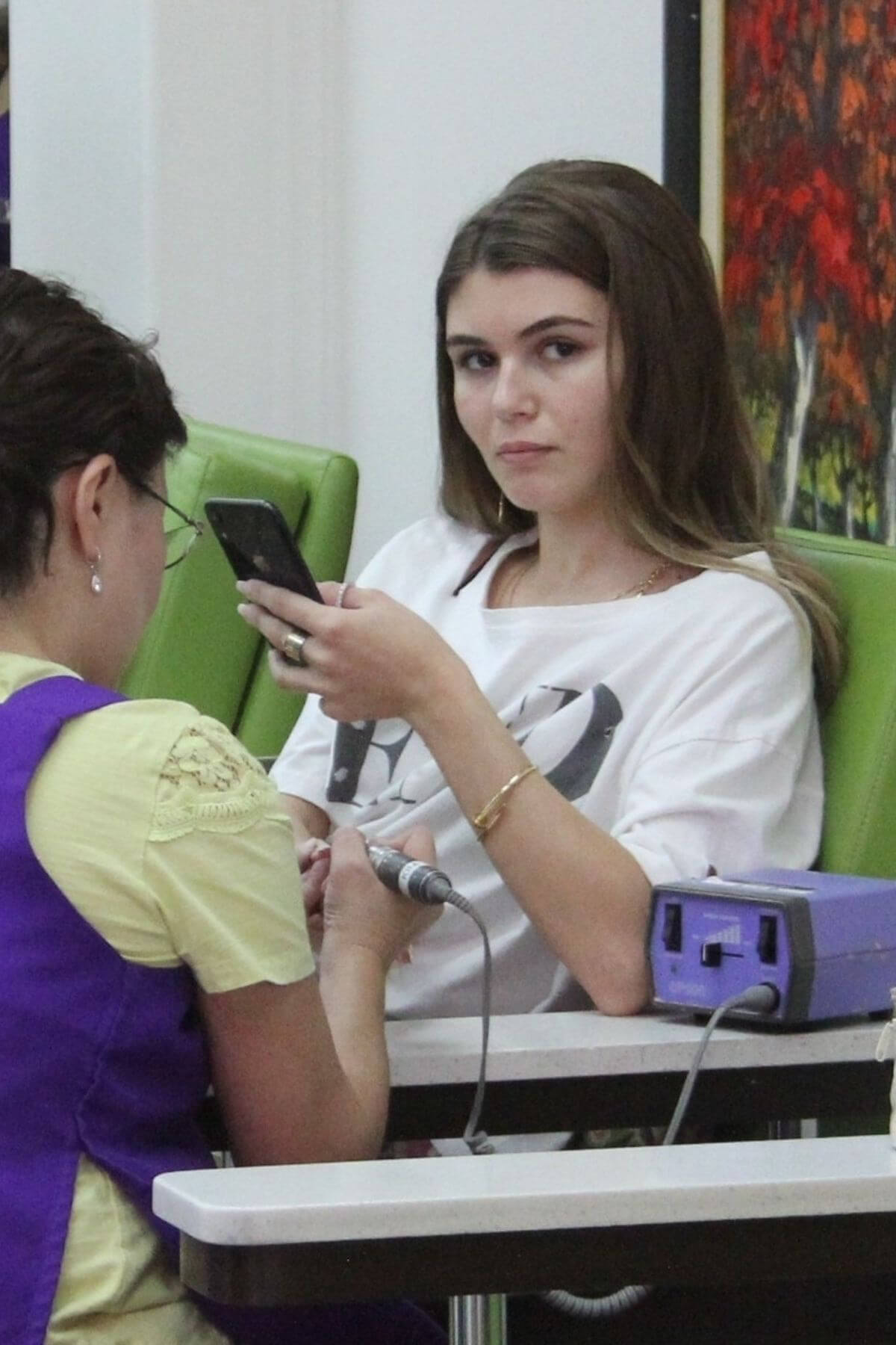 Olivia Jade at a Nails Salon in Beverly Hills 2018/12/26 1
