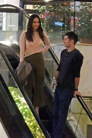 Olivia Munn and Tucker Roberts Out Shopping in Beverly Hills 2018/12/16 3
