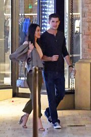 Olivia Munn and Tucker Roberts Out Shopping in Beverly Hills 2018/12/16 5