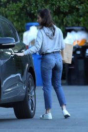 Olivia Munn Out and About in Los Angeles 2018/12/05 2