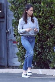 Olivia Munn Out and About in Los Angeles 2018/12/05 7