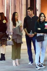 Olivia Munn Out Rodeo Drive in Beverly Hills 2018/12/15 6