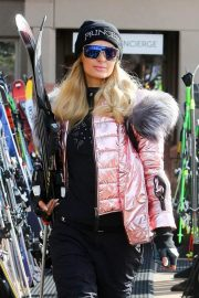 Paris Hilton Out and About in Aspen 2018/12/29 2