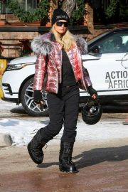 Paris Hilton Out and About in Aspen 2018/12/29 6