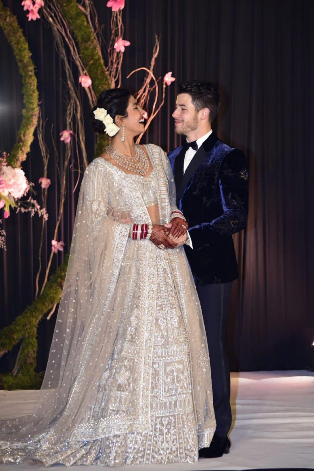 Priyanka Chopra and Nick Jonas for Wedding Photos 2018/12/04 1