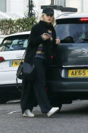 Rita Ora Out and About in London 2018/12/27 14