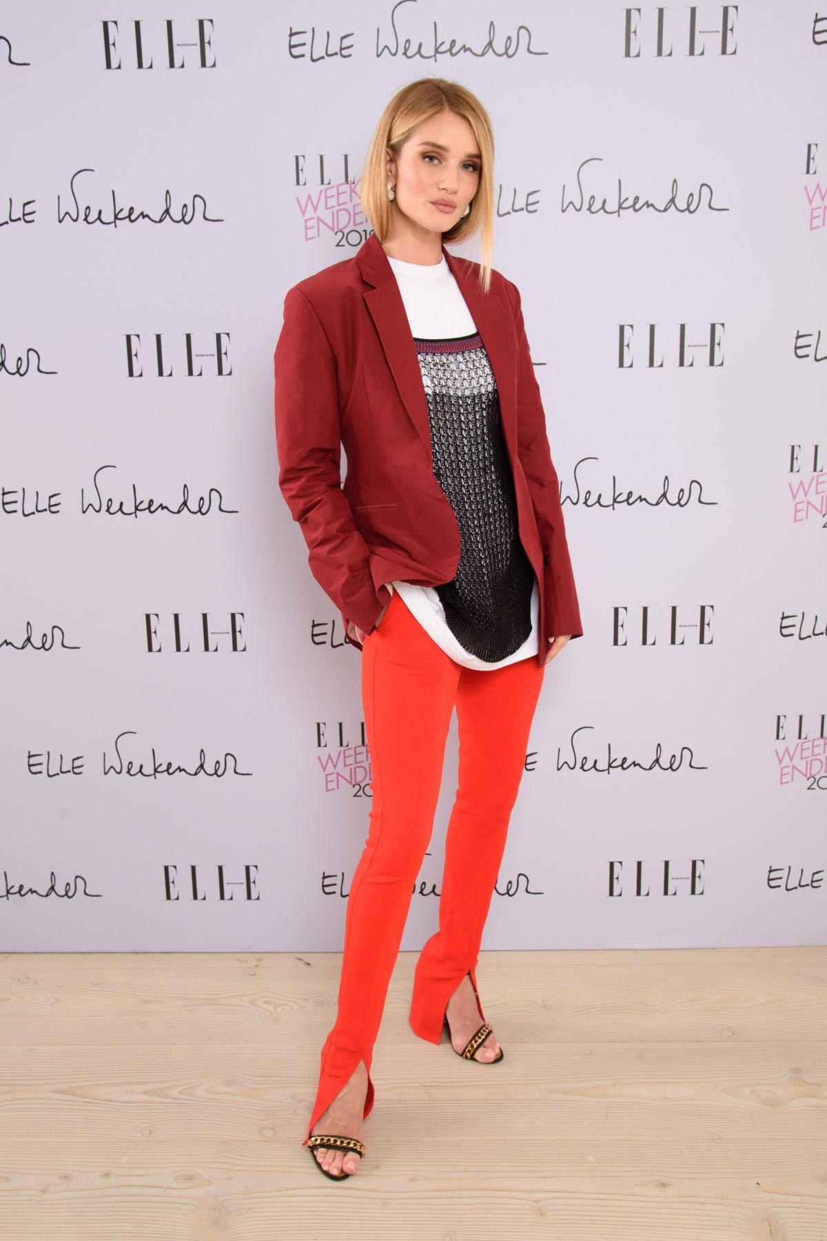 Rosie Huntington-Whiteley at Elle Weekender 2018 at Saatchi Gallery in London 2018/12/03 1