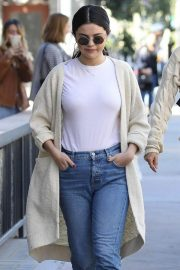 Selena Gomez in Jeans Out in Los Angeles 2018/12/28 3
