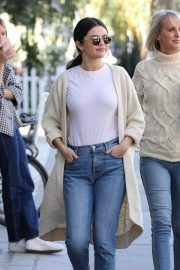 Selena Gomez in Jeans Out in Los Angeles 2018/12/28 5