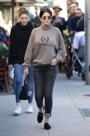 Selena Gomez Out for Lunch in Beverly Hills 2018/12/29 1