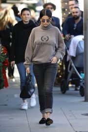 Selena Gomez Out for Lunch in Beverly Hills 2018/12/29 2