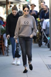 Selena Gomez Out for Lunch in Beverly Hills 2018/12/29 9
