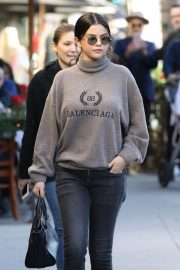Selena Gomez Out for Lunch in Beverly Hills 2018/12/29 10