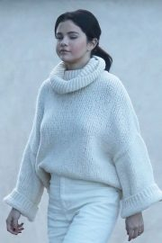 Selena Gomez Out in Los Angeles 2018/12/26 2