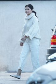 Selena Gomez Out in Los Angeles 2018/12/26 3