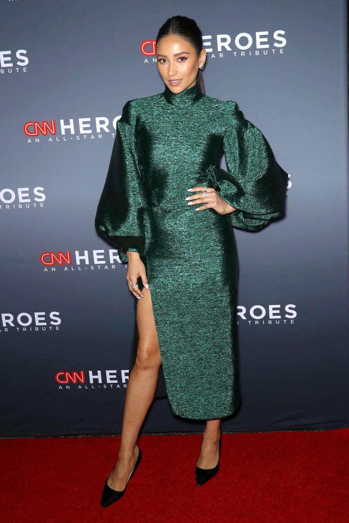 Shay Mitchell at CNN Heroes: An All Star Tribute in New York 2018/12/09 1