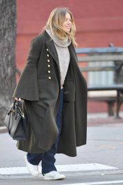 Sienna Miller Out and About in New York 2018/12/05 7