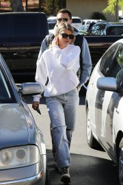 Sofia Richie Out for Coffee in Woodland Hills 2018/12/27 20