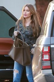 Sofia Vergara Arrives at Saks Fifth Ave in Beverly Hills 2018/11/30 3